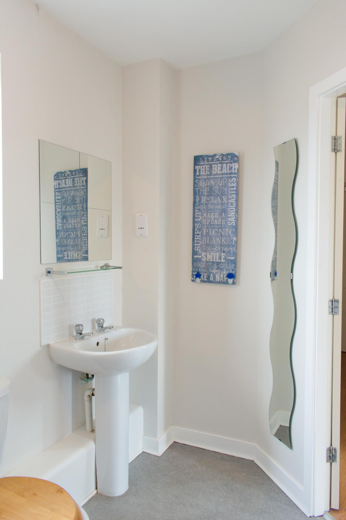 Modern furnished apartment in Mobberley. to let in Great ...